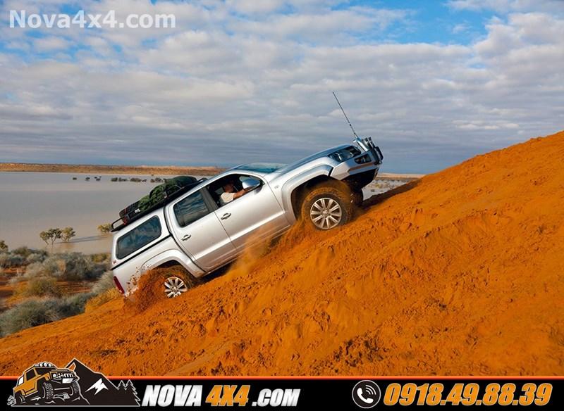 Nắp thùng xe bán tải CarryBoy Topup danh cho Ford Ranger Wildtrak Mazda đang được yêu thích trên thị trường